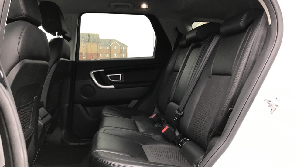 Land Rover Discovery Sport 2.0 TD4 180 SE Tech 5dr Heated Seats and Rear Camera image 4