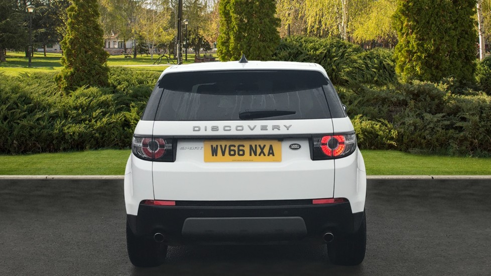 Land Rover Discovery Sport 2.0 TD4 180 SE Tech 5dr Heated Seats and Rear Camera image 6