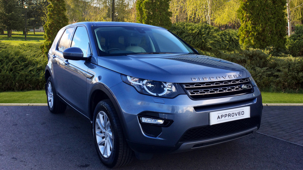 land rover discovery sport 2 0 td4 180 se tech 5dr diesel 4x4 2017 wv67dty in stock land. Black Bedroom Furniture Sets. Home Design Ideas