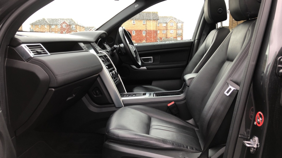 Land Rover Discovery Sport 2.0 SD4 240 HSE Black 5dr image 3