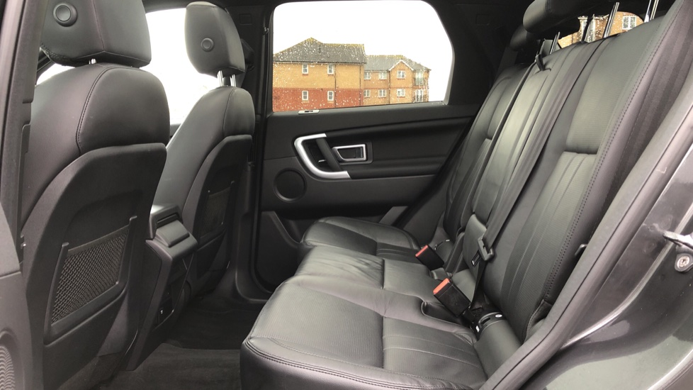 Land Rover Discovery Sport 2.0 SD4 240 HSE Black 5dr image 4