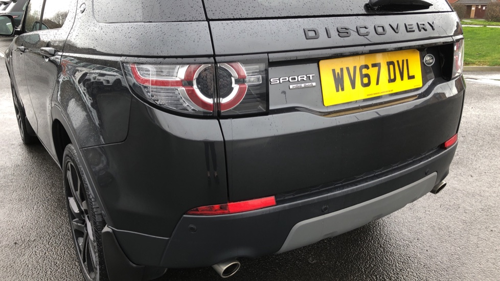 Land Rover Discovery Sport 2.0 SD4 240 HSE Black 5dr image 10