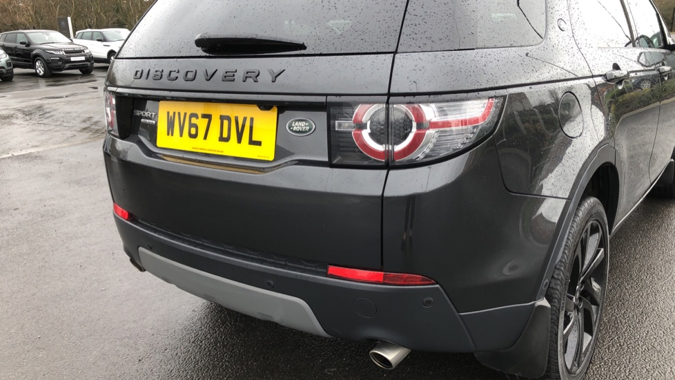 Land Rover Discovery Sport 2.0 SD4 240 HSE Black 5dr image 11