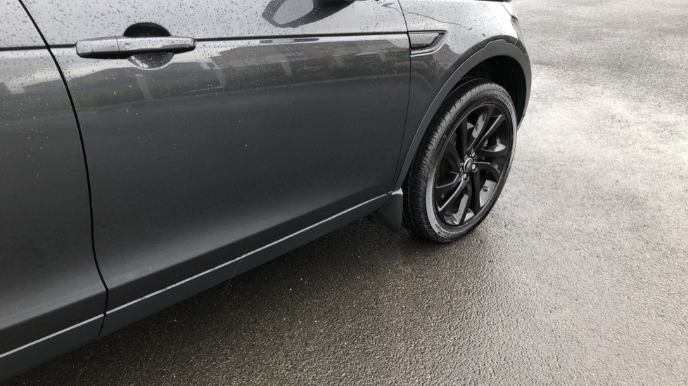 Land Rover Discovery Sport 2.0 SD4 240 HSE Black 5dr image 14
