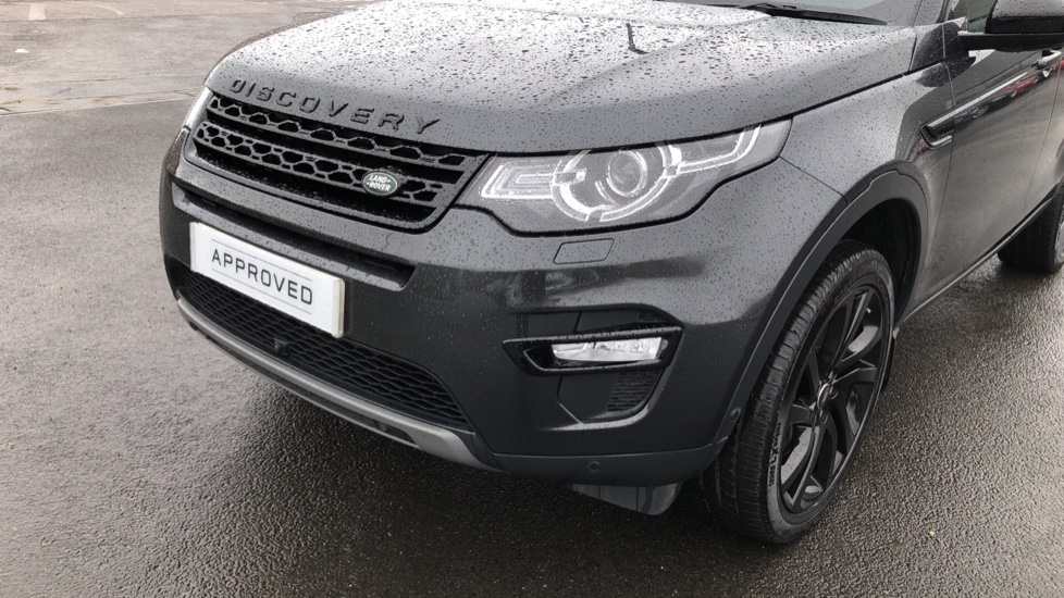 Land Rover Discovery Sport 2.0 SD4 240 HSE Black 5dr image 16