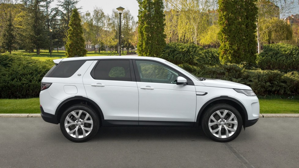 Land Rover Discovery Sport 2.0 D180 SE 5dr image 5