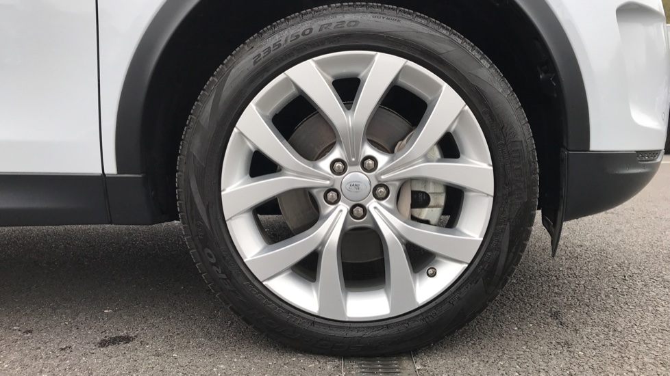 Land Rover Discovery Sport 2.0 D180 SE 5dr image 8