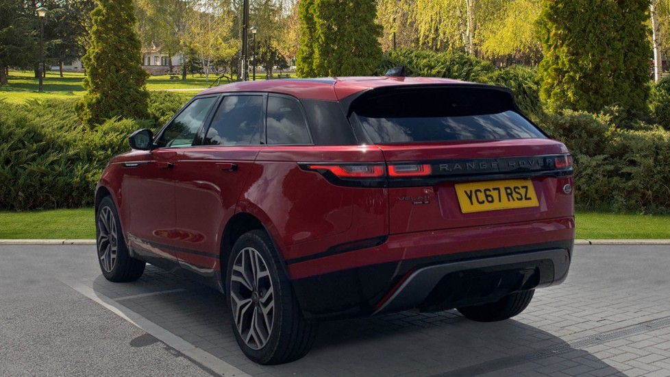 Land Rover Range Rover Velar 2.0 D240 R-Dynamic SE With Meridian Surround sound system and Rear view camera image 2