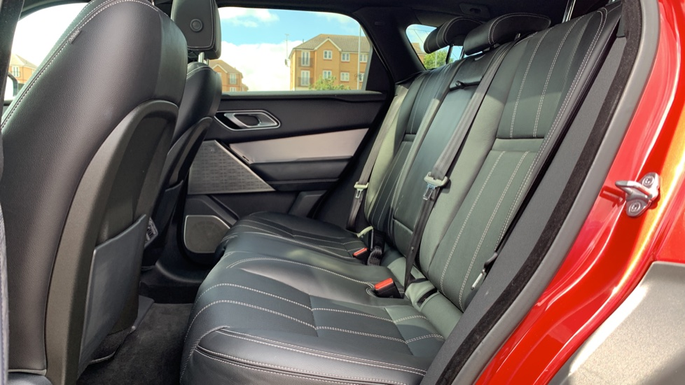 Land Rover Range Rover Velar 2.0 D240 R-Dynamic SE With Meridian Surround sound system and Rear view camera image 4