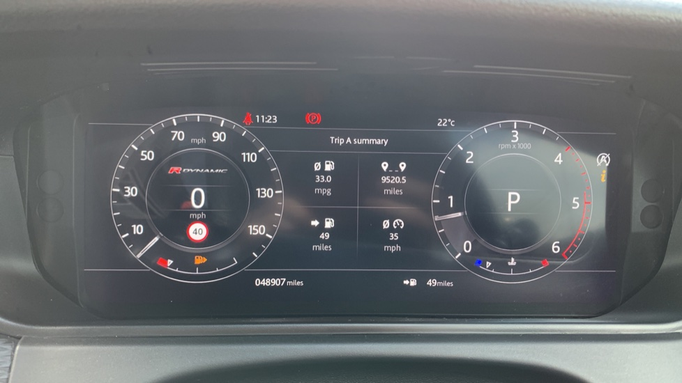 Land Rover Range Rover Velar 2.0 D240 R-Dynamic SE With Meridian Surround sound system and Rear view camera image 16