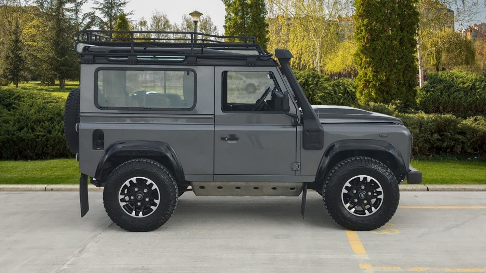 Land Rover Defender DEFENDER 90 ADVENTURE TD - Tinted glass, Convenience Pack, Heated front seats image 5