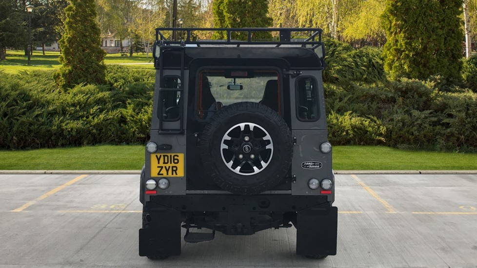 Land Rover Defender DEFENDER 90 ADVENTURE TD - Tinted glass, Convenience Pack, Heated front seats image 6