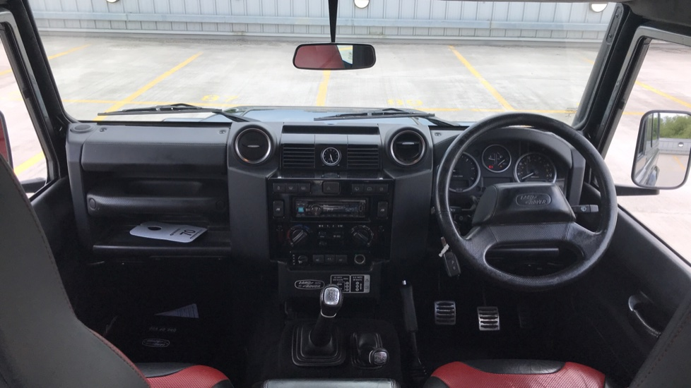 Land Rover Defender DEFENDER 90 ADVENTURE TD - Tinted glass, Convenience Pack, Heated front seats image 9