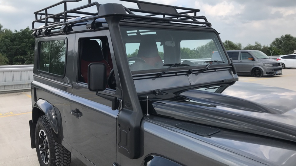 Land Rover Defender DEFENDER 90 ADVENTURE TD - Tinted glass, Convenience Pack, Heated front seats image 16