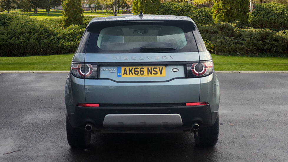 Land Rover Discovery Sport 2.0 TD4 180 HSE 5dr image 6