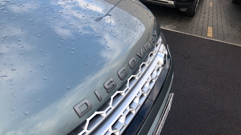 Land Rover Discovery Sport 2.0 TD4 180 HSE 5dr image 11