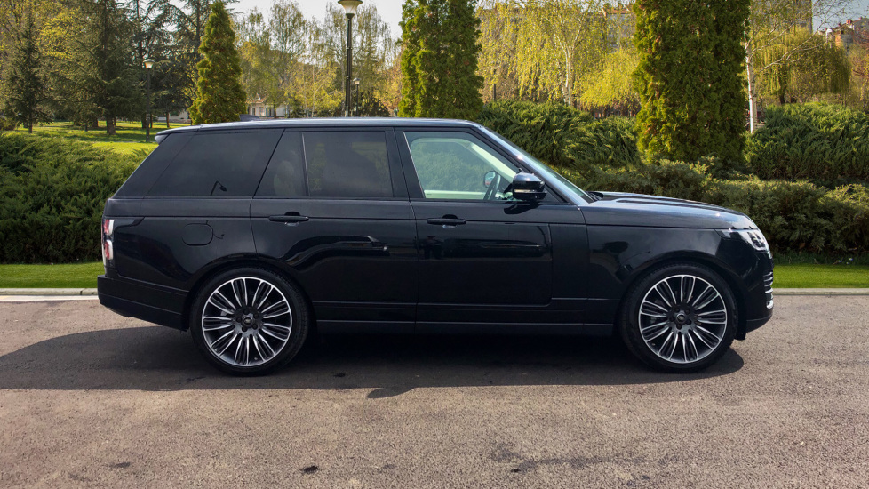 Land Rover Range Rover 3.0 SDV6 Vogue 4dr - Sliding Panoramic Roof - Privacy Glass -  image 5 thumbnail