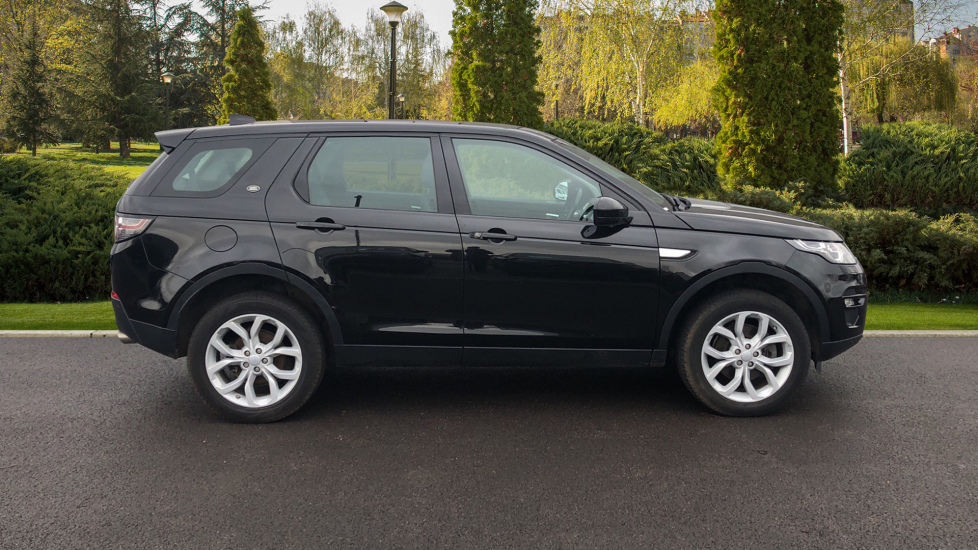 Land Rover Discovery Sport 2.0 TD4 180 HSE 5dr image 5