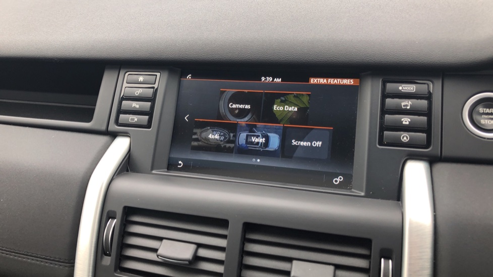 Land Rover Discovery Sport 2.0 TD4 180 HSE 5dr image 21