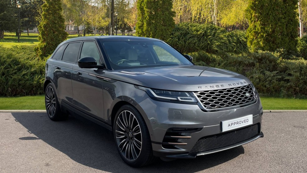 Land Rover Range Rover Velar 3.0 D300 First Edition 5dr Privacy glass, Powered gesture tailgate Diesel Automatic 4x4