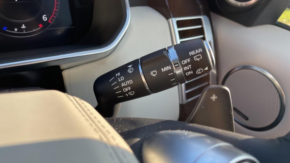 Land Rover Range Rover 3.0 SDV6 Vogue 4dr image 19
