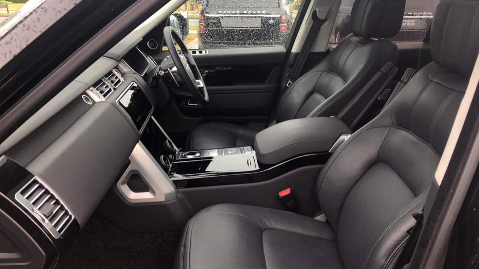 Land Rover Range Rover 4.4 SDV8 Autobiography 4dr image 3