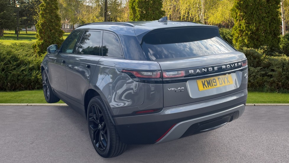 Land Rover Range Rover Velar 2.0 D240 HSE Electrically deployable tow bar Sliding panoramic roof image 2
