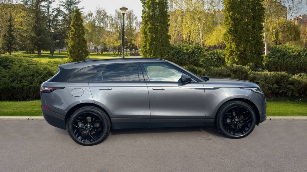 Land Rover Range Rover Velar 2.0 D240 HSE Electrically deployable tow bar Sliding panoramic roof image 5
