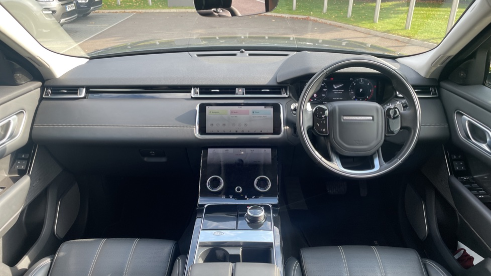 Land Rover Range Rover Velar 2.0 D240 HSE Electrically deployable tow bar Sliding panoramic roof image 9