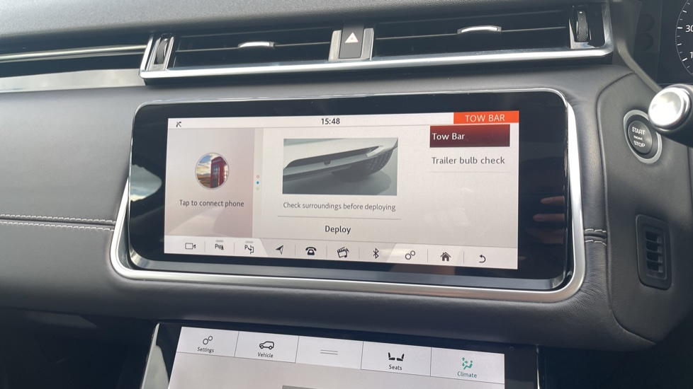 Land Rover Range Rover Velar 2.0 D240 HSE Electrically deployable tow bar Sliding panoramic roof image 29