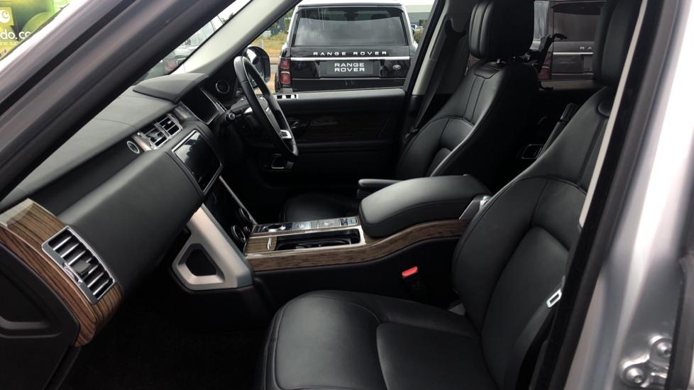 Land Rover Range Rover 3.0 SDV6 Vogue SE 4dr image 3