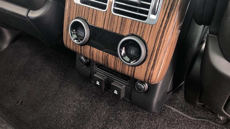 Land Rover Range Rover 3.0 SDV6 Vogue SE 4dr image 13