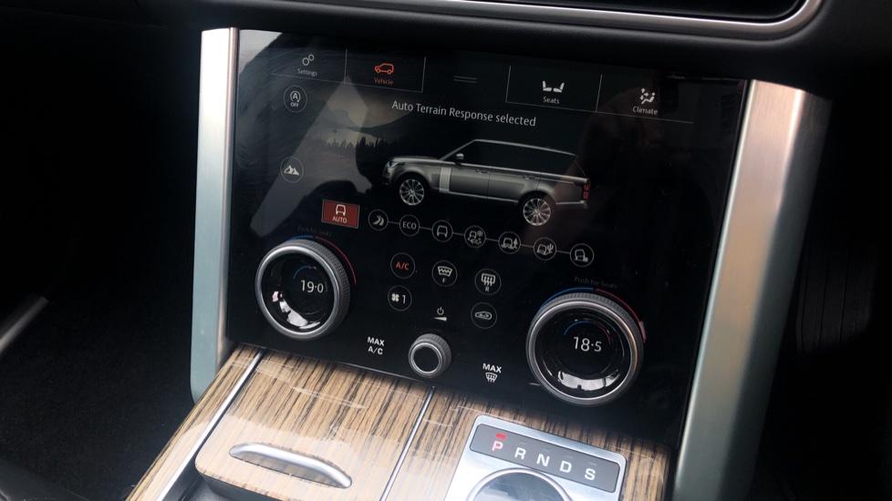 Land Rover Range Rover 3.0 SDV6 Vogue SE 4dr image 33