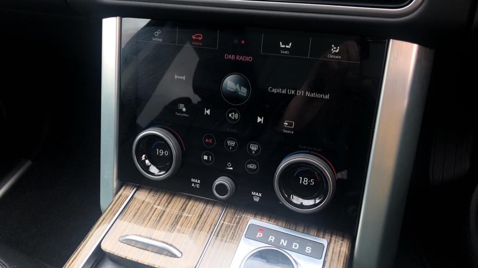 Land Rover Range Rover 3.0 SDV6 Vogue SE 4dr image 34
