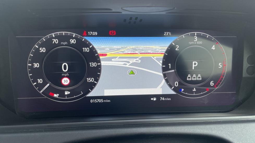 Land Rover Range Rover Velar 2.0 D240 SE Detachable tow bar Heated steering wheel image 16