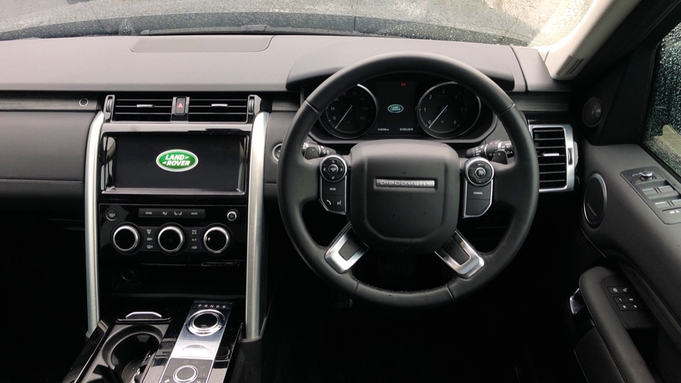 Land Rover Discovery 3.0 TD6 HSE 5dr image 22