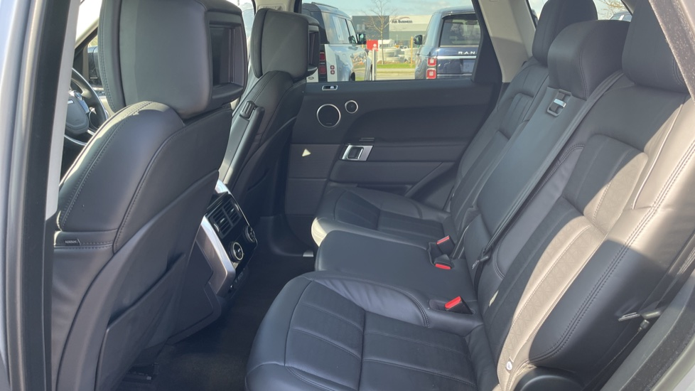 Land Rover Range Rover Sport 3.0 SDV6 Autobiography Dynamic 5dr [7 Seat] image 4