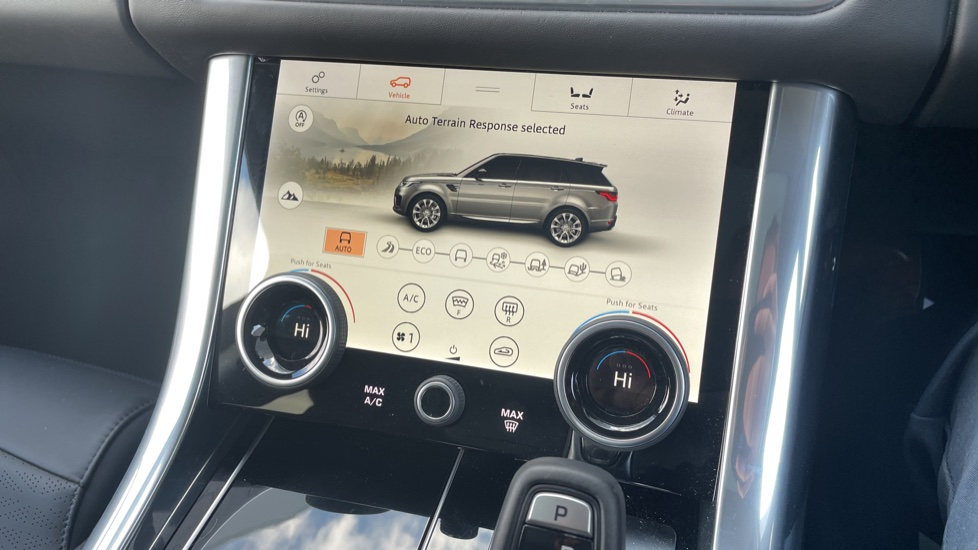 Land Rover Range Rover Sport 3.0 SDV6 Autobiography Dynamic 5dr [7 Seat] image 33