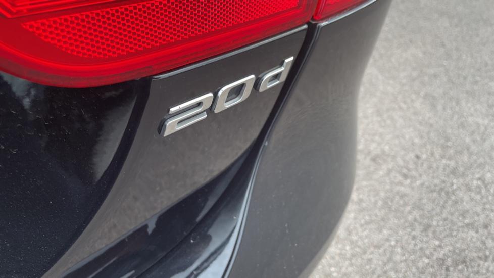Jaguar XE 2.0d [180] R-Sport 4dr Heated front seats Privacy glass image 10