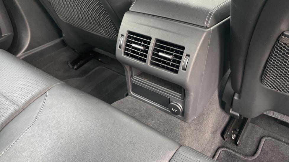 Jaguar XE 2.0d [180] R-Sport 4dr Heated front seats Privacy glass image 12