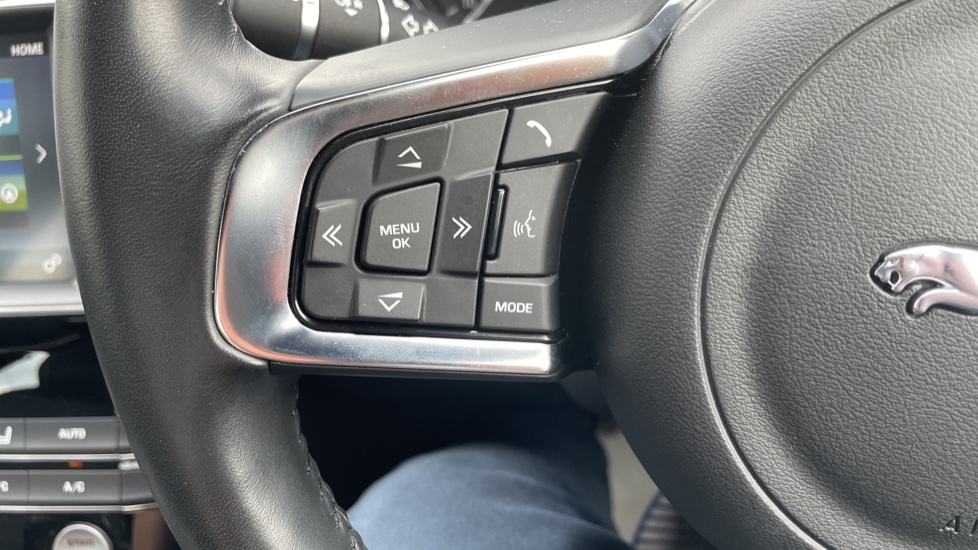 Jaguar XE 2.0d [180] R-Sport 4dr Heated front seats Privacy glass image 15