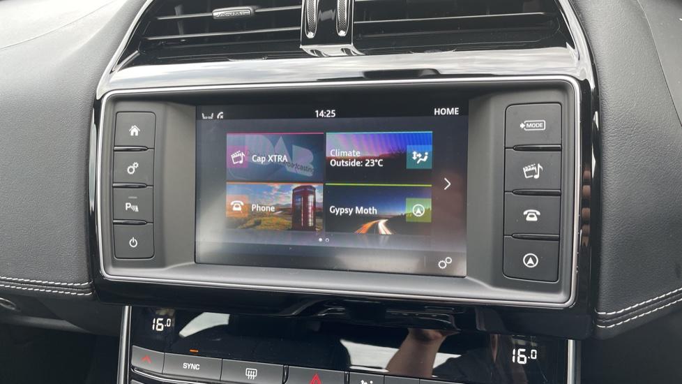 Jaguar XE 2.0d [180] R-Sport 4dr Heated front seats Privacy glass image 19