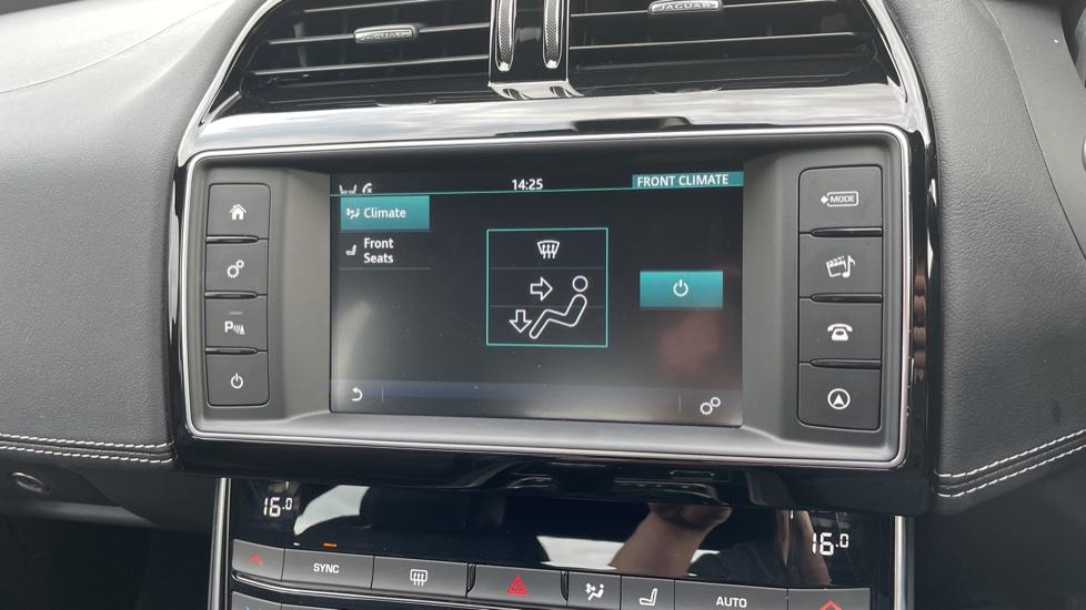 Jaguar XE 2.0d [180] R-Sport 4dr Heated front seats Privacy glass image 21