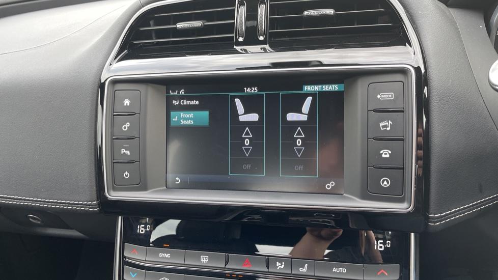 Jaguar XE 2.0d [180] R-Sport 4dr Heated front seats Privacy glass image 22