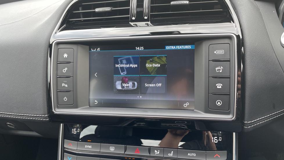 Jaguar XE 2.0d [180] R-Sport 4dr Heated front seats Privacy glass image 25
