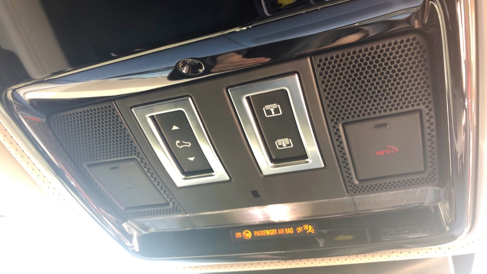Land Rover Range Rover 2.0 P400e Autobiography 4dr image 14
