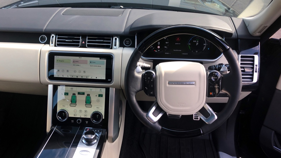 Land Rover Range Rover 2.0 P400e Autobiography 4dr image 33
