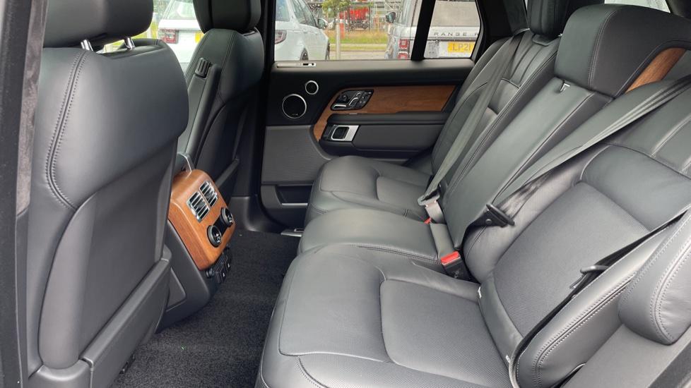 Land Rover Range Rover 3.0 D350 Autobiography 4dr Auto image 4