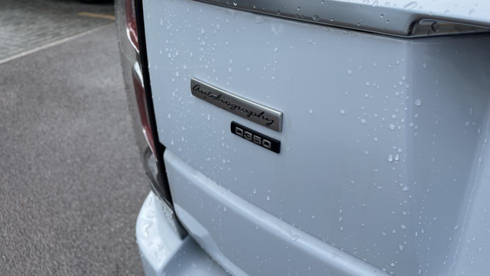 Land Rover Range Rover 3.0 D350 Autobiography 4dr Auto image 10