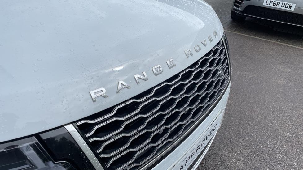 Land Rover Range Rover 3.0 D350 Autobiography 4dr Auto image 11